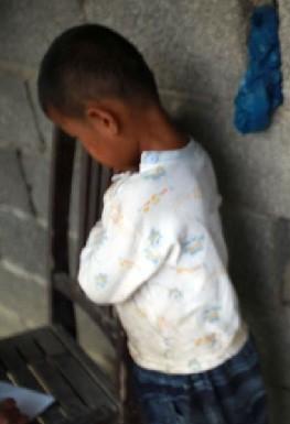 艾滋孤儿-大久宝